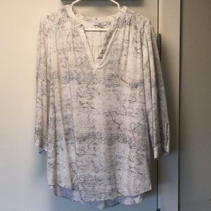 Beautiful v neck top size XL
